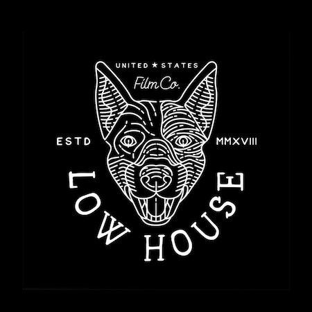 犬をモチーフとした黒色のカスタムロゴデザイン